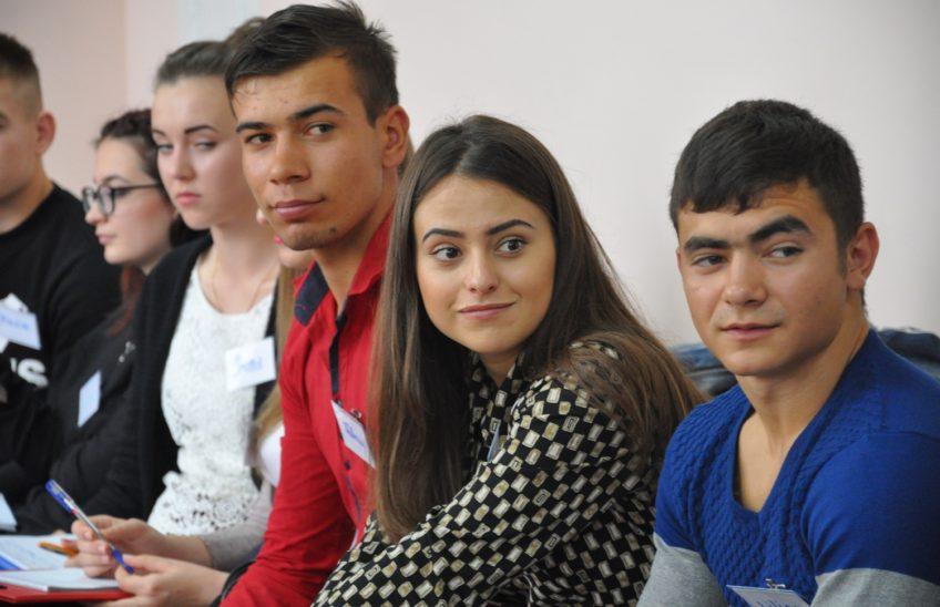 Membrii Consiliului Național al Elevilor din înțământul profesional tehnic